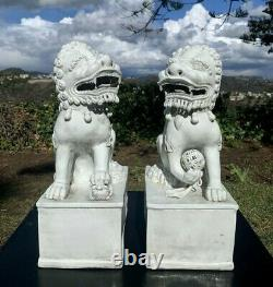 Antique Pair Chinese Porcelain Fo Lion Statues 4 Character Mark