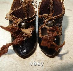 Antique very rare cabinet pair of shoes signed a bee Jumeau size 1