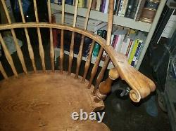 Wallace Nutting Brace Back Continuous Arm Windsor Arm Chair signed lable #408